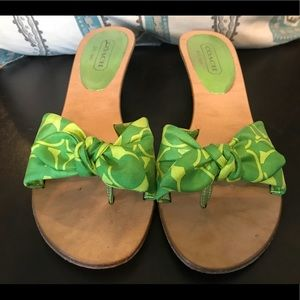 Coach Havana green silk scarf bow tie wedge heels